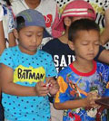 Thai kids praying