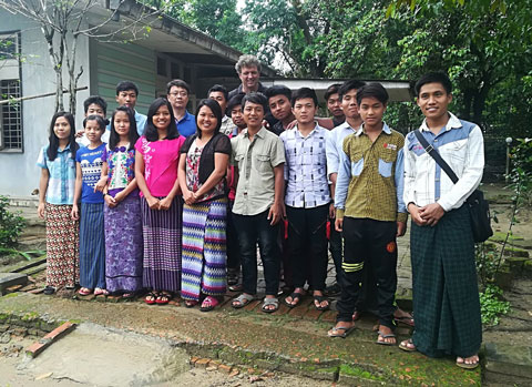 Pat Myanmar students